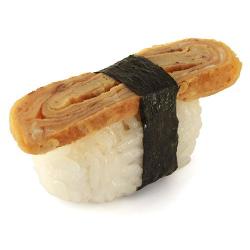 Суши с японским омлетом.